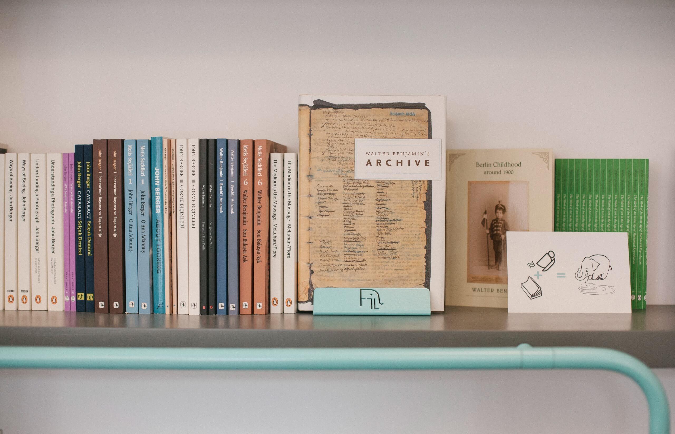 Karaköy Fil Books