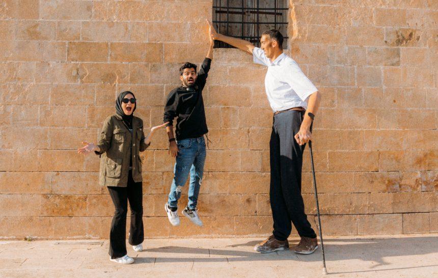 Dünya'nın en UZUN adamı Mardin'de yaşıyor!
